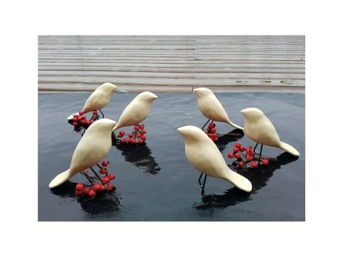 Keramikiniai balti paukšteliai su kojelėmis